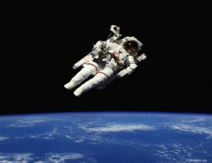 космонавт еще